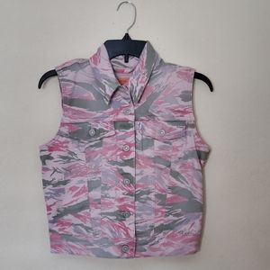 Levi Pink Camo Sleeveless Jacket